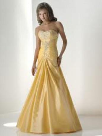 Pekné žlté šaty