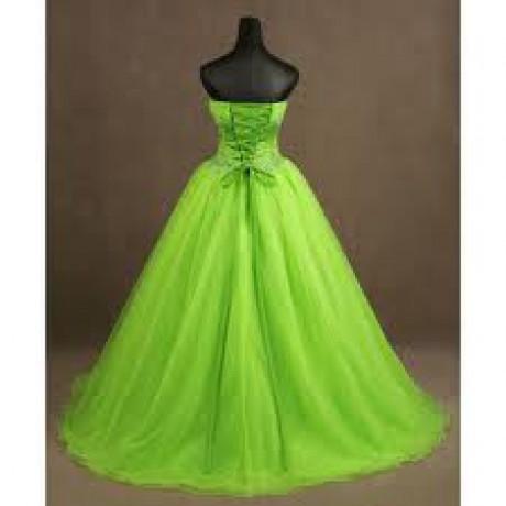 Bledi zelené šaty