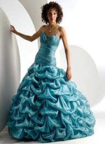 Skladané bledo modré šaty